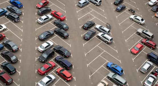 Asphalt – The Best Choice for a Commercial Parking Lot