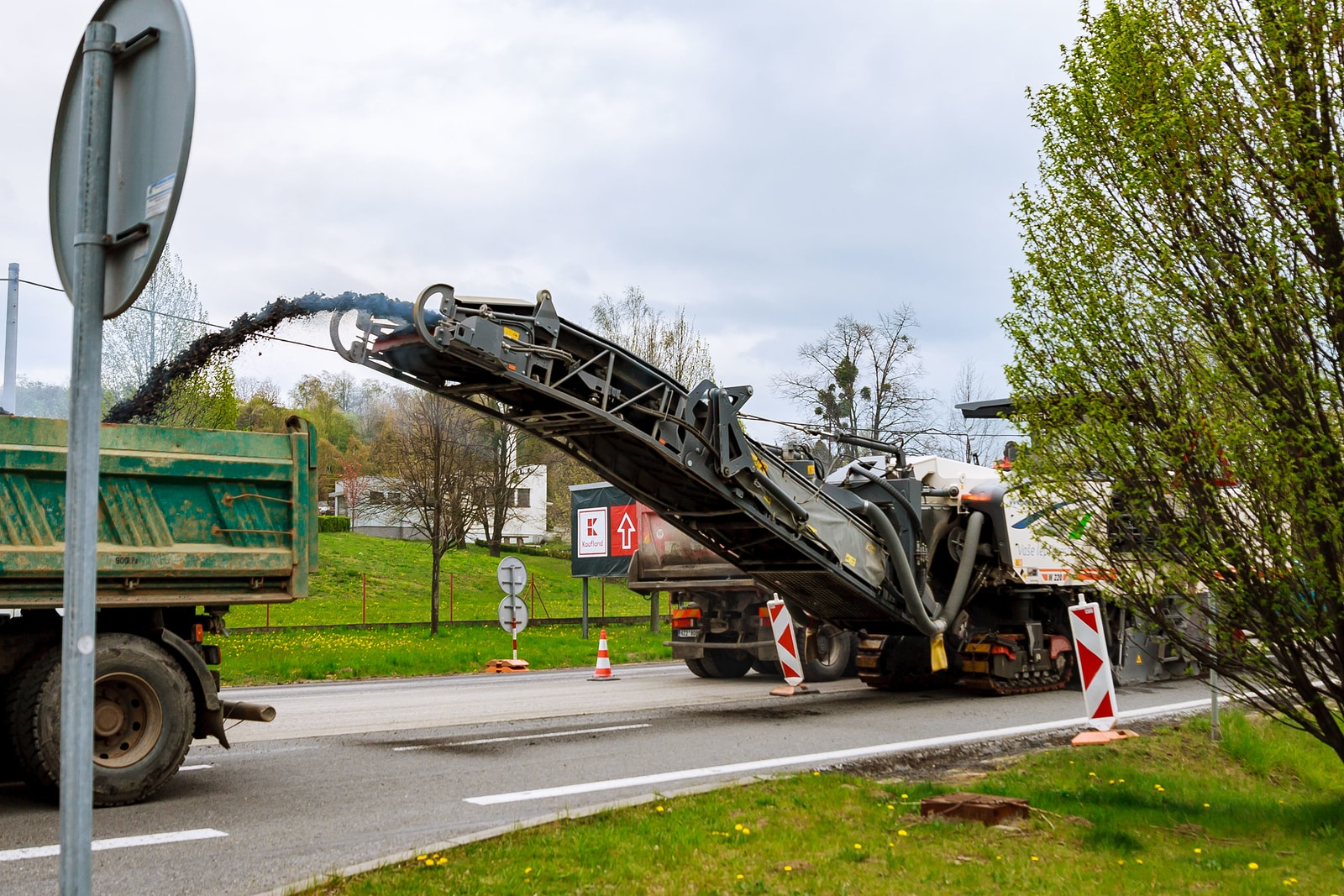 Asphalt Milling Services – What Is It And Do I Need It?
